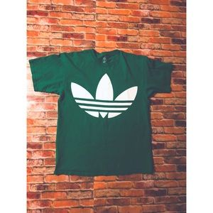 BIG PRINT ADDIDAS GREEN TEE